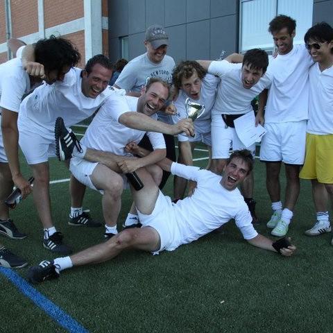 Fußballturnier Eschborn Cup 2011: Siegermannschaft des Benefiz-Fußballturniers