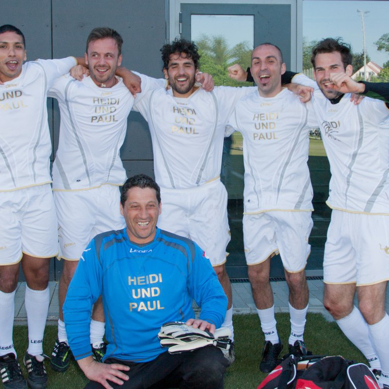 Fußballturnier Eschborn Cup 2012: Siegermannschaft des Benefiz-Fußballturniers